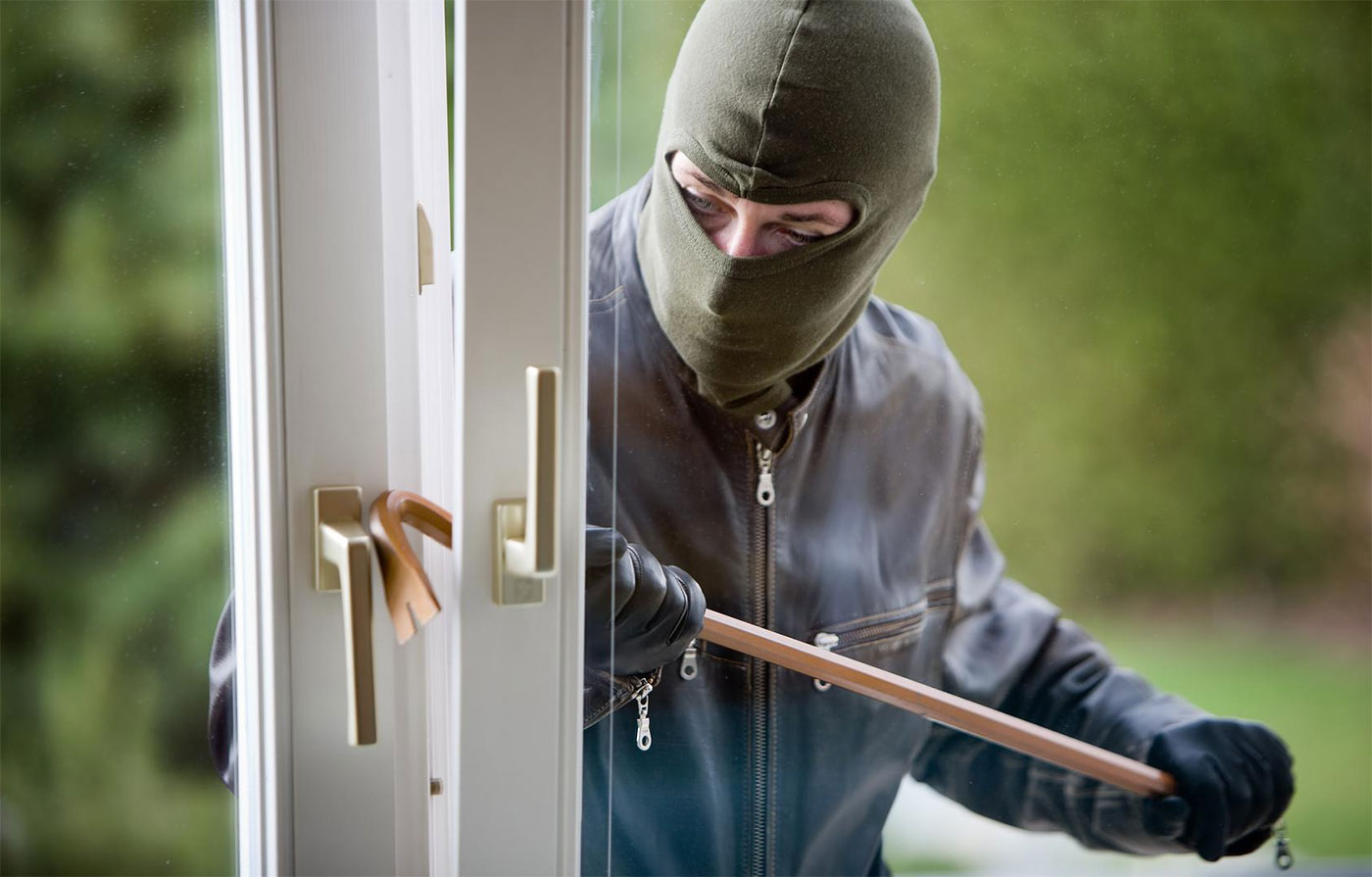 protect-yourself-from-burglars-in-your-home